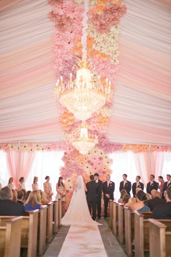 southern-wedding-romantic-ceremony-decor